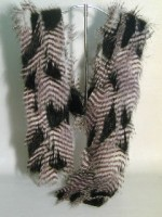 Black & White Feather Scarf Kit - Product Image